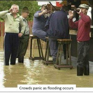 Flooding - Crowds Panic.jpg