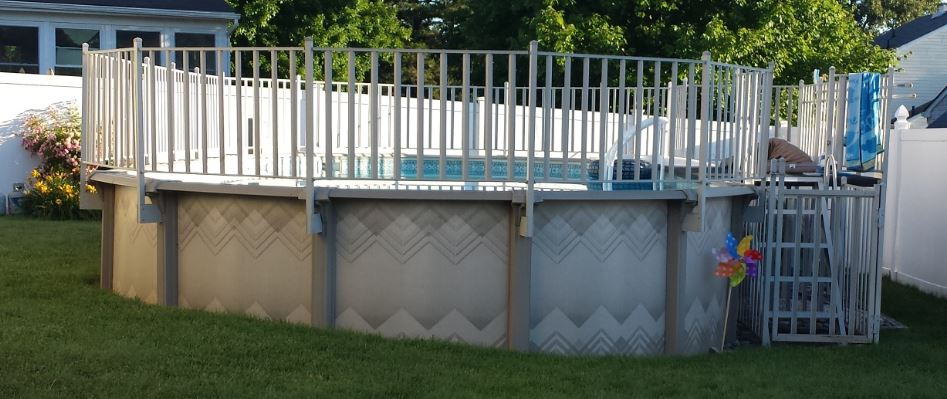 End view of pool.JPG